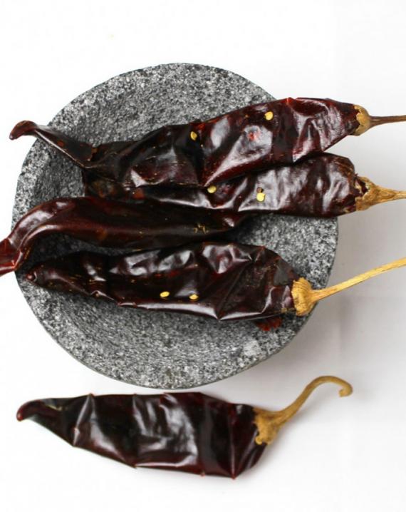 Dried Guajillo chile / Chile seco guajillo-0